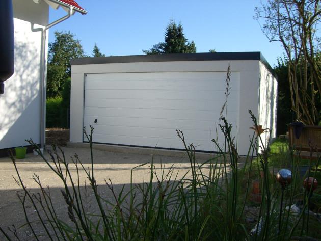 anbaugaragen fuer stahlgaragen omicroner garagen. Black Bedroom Furniture Sets. Home Design Ideas